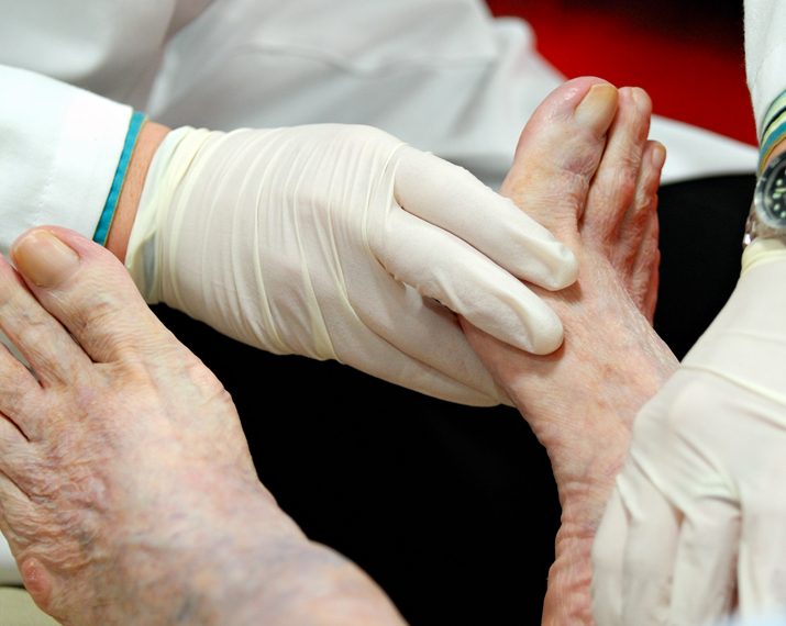 Diabetic-Foot-Care_715x570
